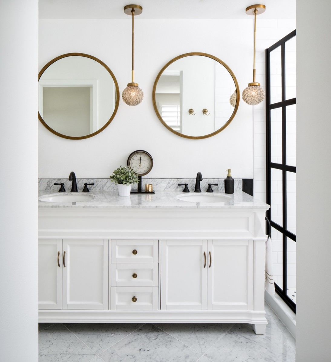 How To Give Your Bathroom A Spring Makeover