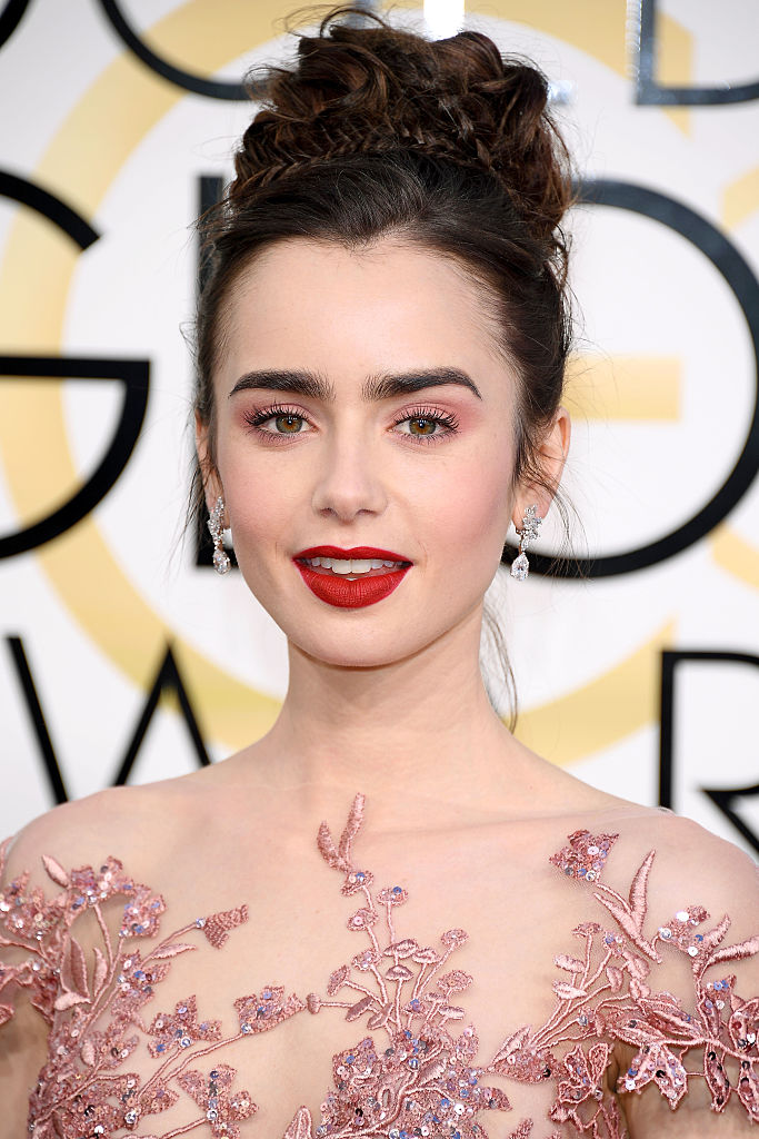 Get Lily Collins' Golden Globes Beauty Look
