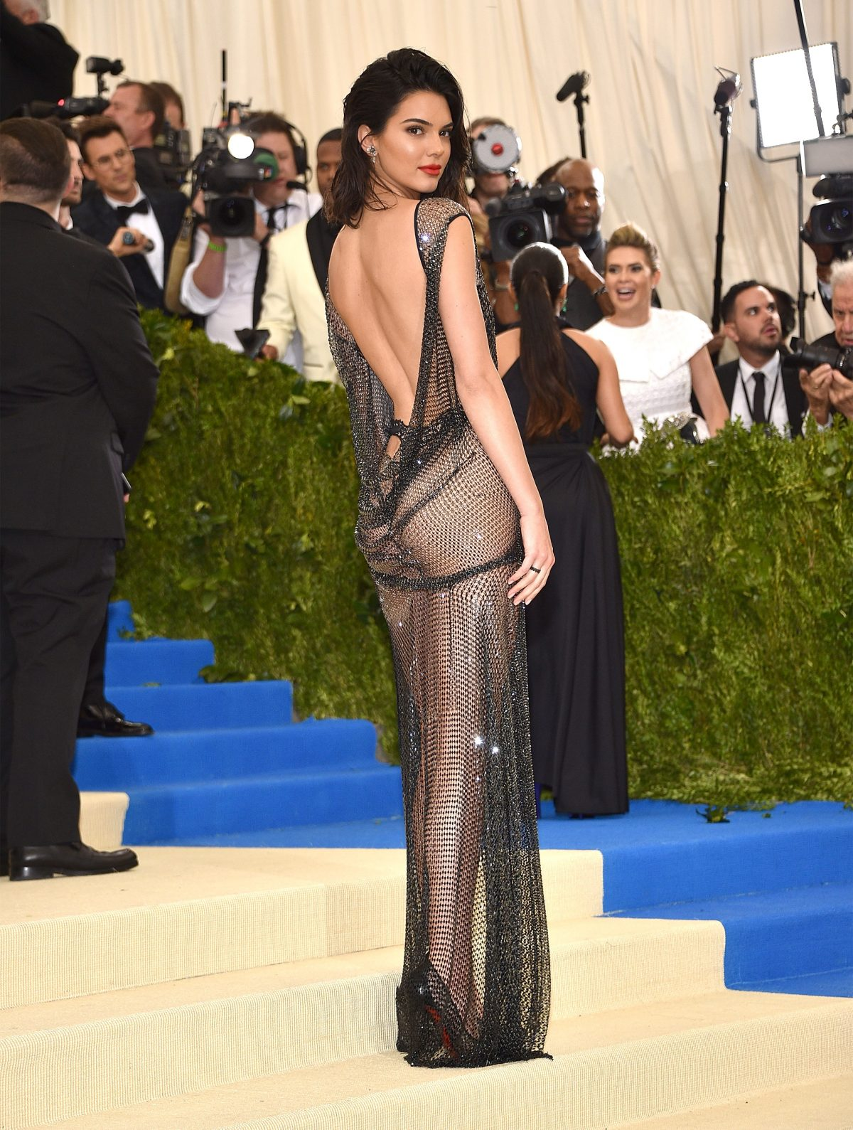 MET GALA 2017: All About Kendall Jenner\'s Gown