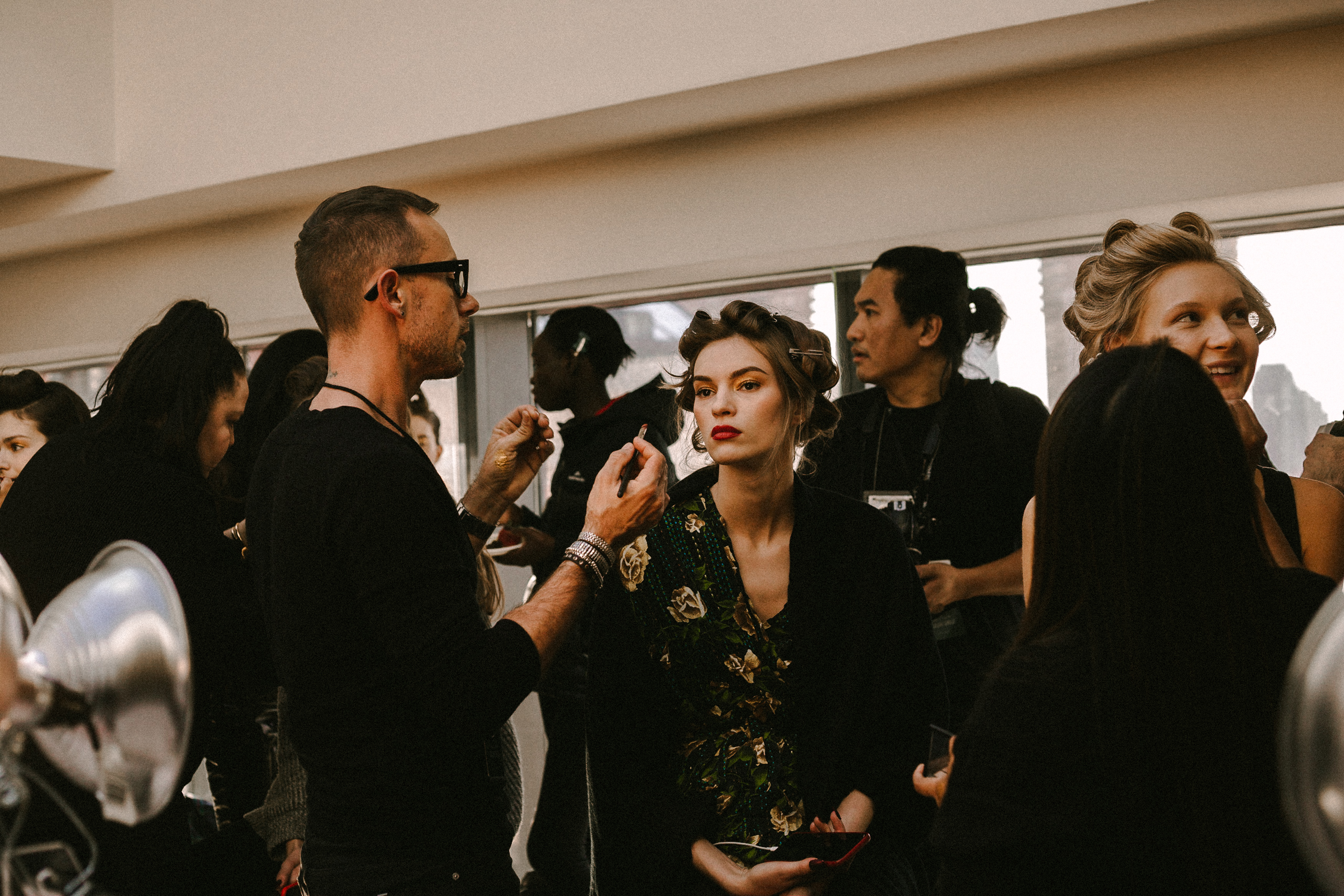 Tadashi Shoji Autumn/Winter 2018 Ready-To-Wear Collection Backstage Access