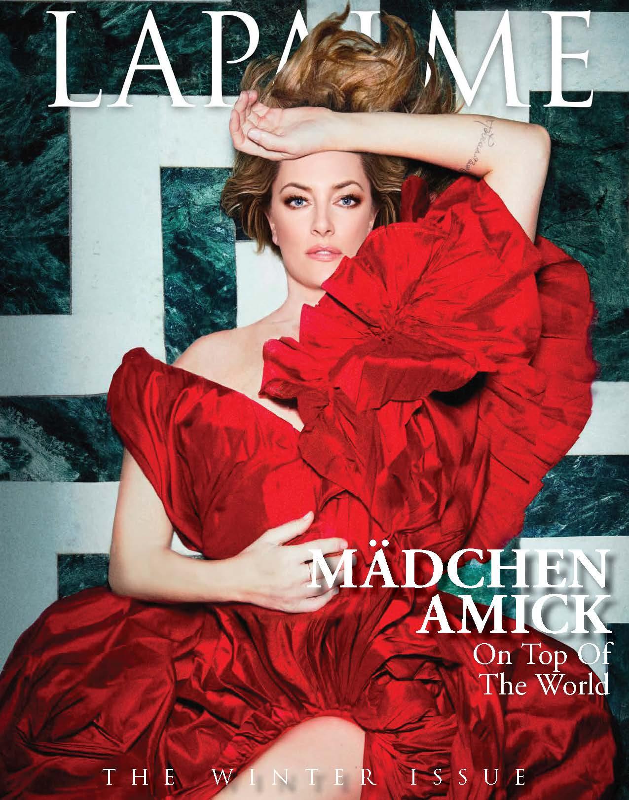 MÄDCHEN AMICK GRACES THE WINTER COVER