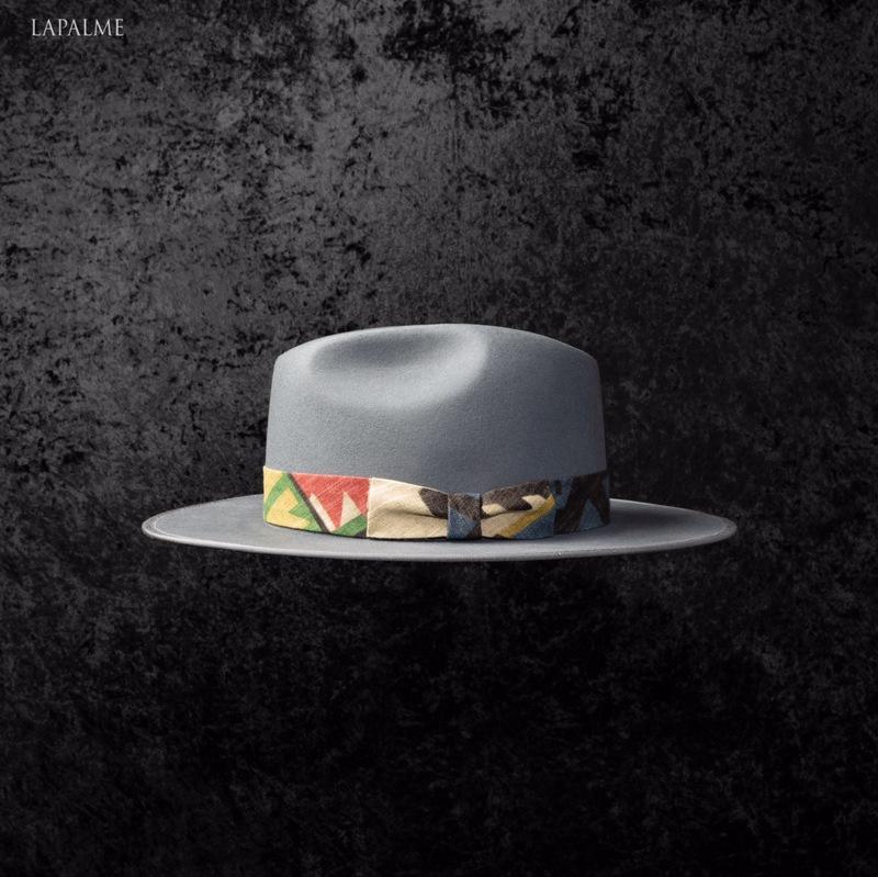 IT'S AUTUMN – WEAR YOUR BRIM HAT